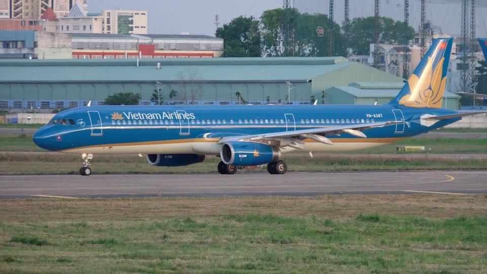Tin nhanh - Hủy các chuyến bay do ảnh hưởng từ cơn bão số 16 - Tembin