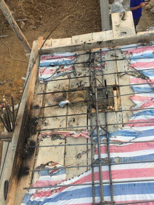 Tin nhanh - Hà Tĩnh: Điện giật chết một lao động đang đổ bê tông (Hình 2).