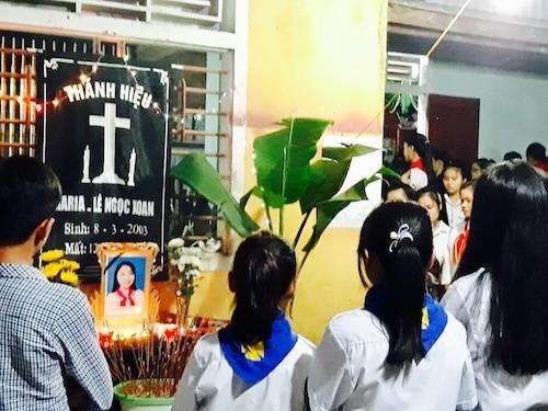 Xã hội - Nữ sinh bị điện giật tử vong ở Hà Tĩnh sử dụng sạc điện thoại gì? (Hình 2).