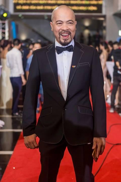 Giải trí - Dàn sao Việt 'tay trong tay' trên thảm đỏ VTV Awards 2017