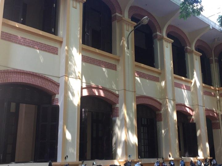Giải trí - Bên trong ngôi trường vợ nghệ sĩ Xuân Bắc phản ánh đã xuống cấp (Hình 8).