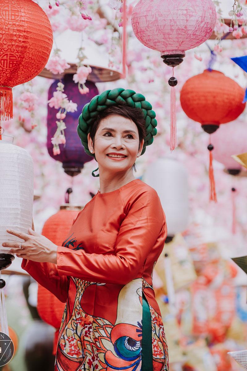 Giải trí - NSND Minh Châu đón Trung thu cùng dàn 'cháu ngoại' xinh như thiên thần
