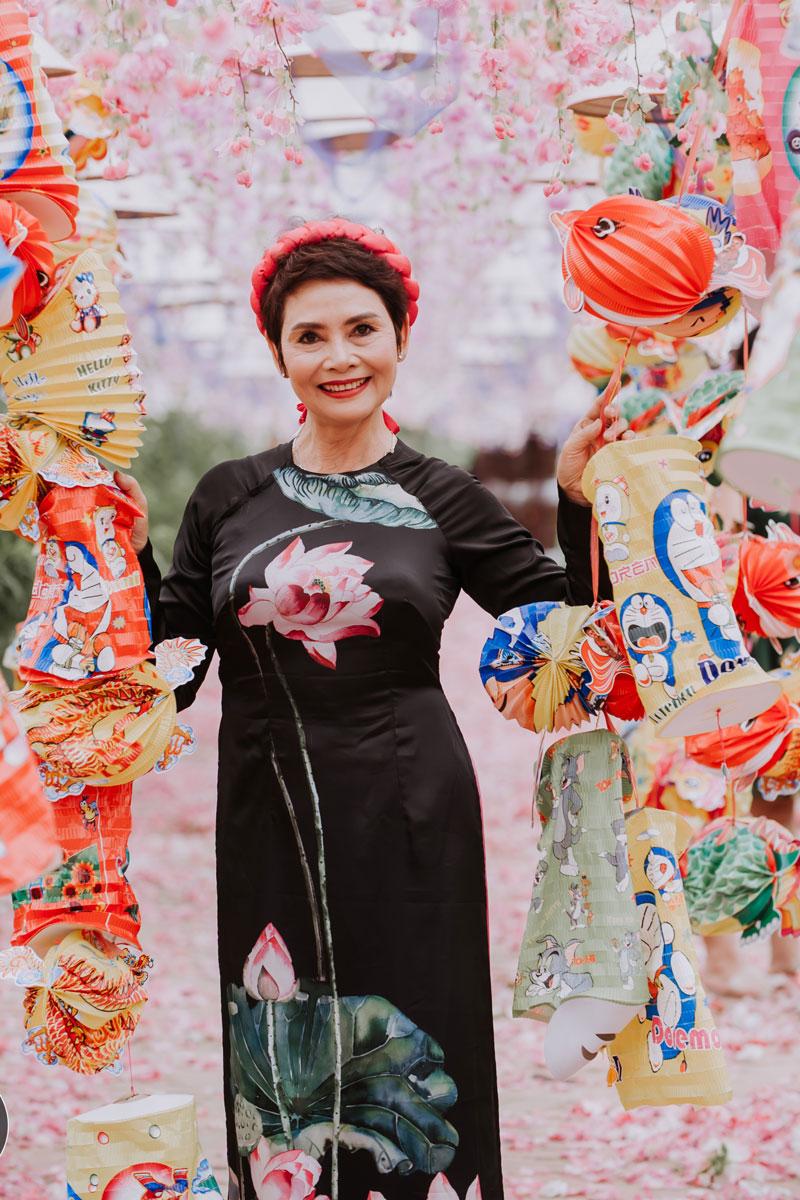 Giải trí - NSND Minh Châu đón Trung thu cùng dàn 'cháu ngoại' xinh như thiên thần (Hình 3).