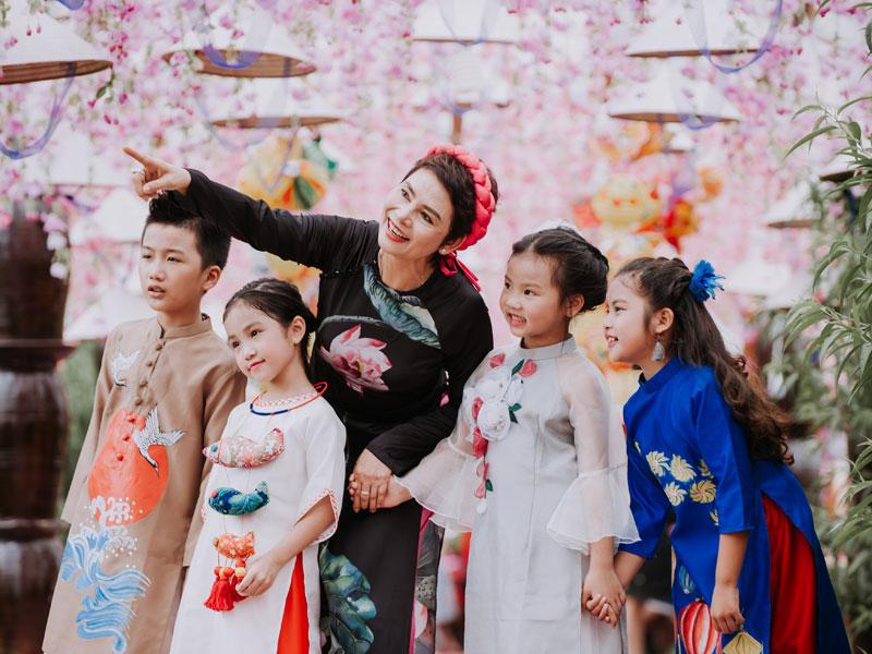 Giải trí - NSND Minh Châu đón Trung thu cùng dàn 'cháu ngoại' xinh như thiên thần (Hình 6).