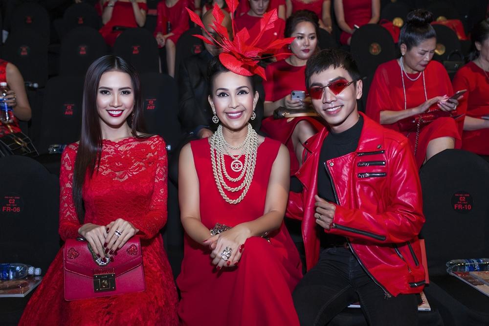 Sự kiện - Người đẹp Phan Thị Mơ đọ sắc cùng 'Nữ hoàng ảnh lịch' Diễm My 6X (Hình 2).