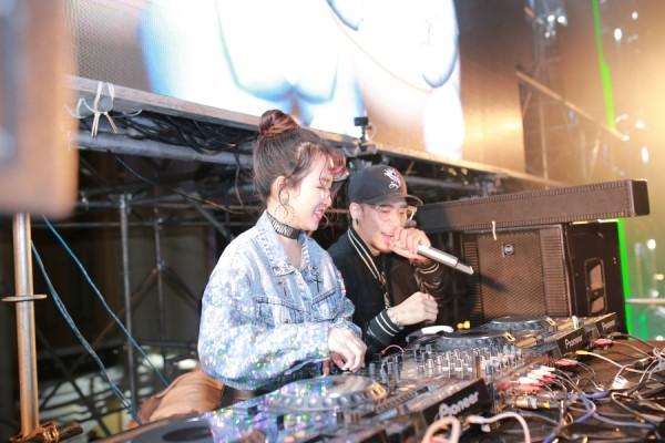"""DJ Trang Moon """"quẩy"""" hết mình trong lễ hội đếm ngược đón năm mới - Hình 4"""