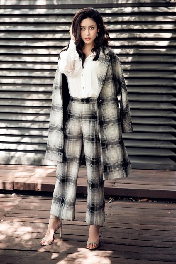 Lần đầu Trương Quỳnh Anh chụp ảnh thời trang cùng con trai - Hình 2