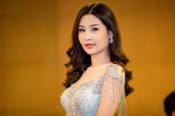 Sự kiện - Lê Âu Ngân Anh bị đề nghị tước danh hiệu Hoa hậu Đại dương 2017