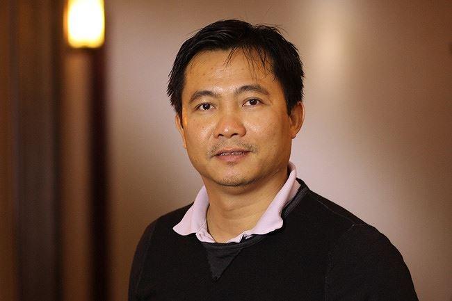 Sự kiện - Nghệ sĩ Quốc Khánh bật mí việc học kịch bản Táo quân trong... toa-lét