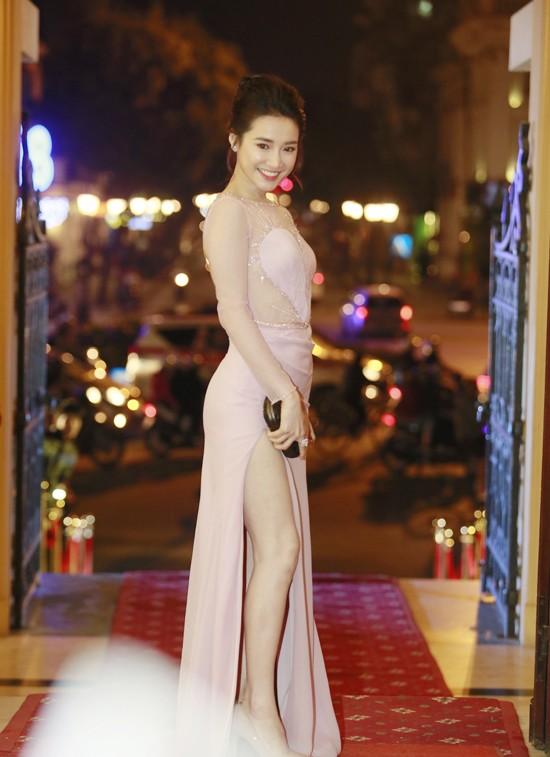 Sự kiện - Trên sân khấu Cánh diều vàng, Nhã Phương tuyên bố đã có 'phao cứu sinh'  (Hình 2).