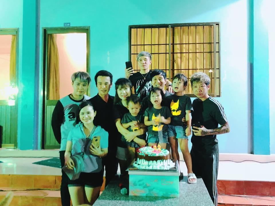 Minh Hà mừng sinh nhật tuổi 33 giản dị bên Lý Hải và 4 nhóc tỳ - Hình 6