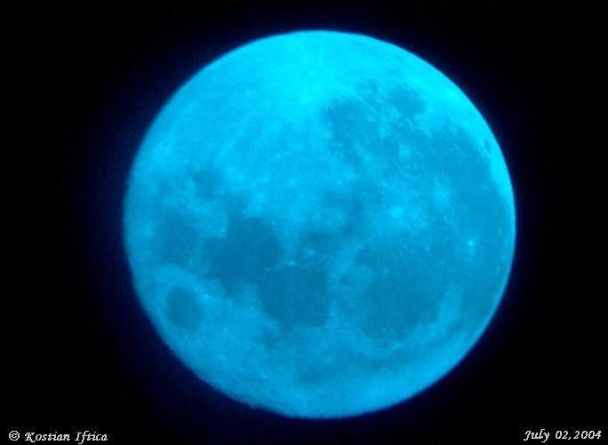 Công nghệ - Tháng 1/2018,  lần lượt xuất hiện Mặt trăng Sói và Mặt trăng xanh (Hình 2).
