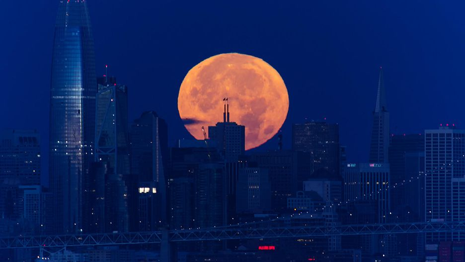 Chiêm ngưỡng bộ ảnh đẹp không tưởng về siêu trăng trên thế giới - Hình 10