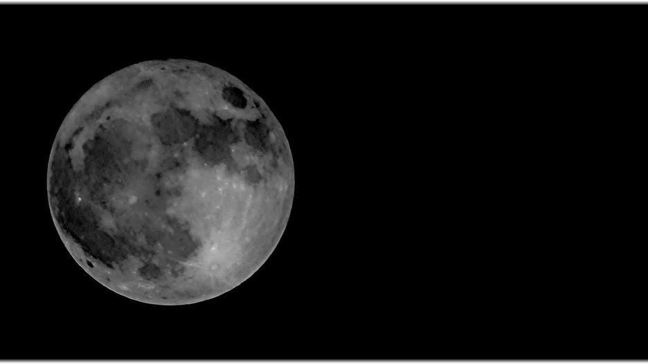 Chiêm ngưỡng bộ ảnh đẹp không tưởng về siêu trăng trên thế giới - Hình 13