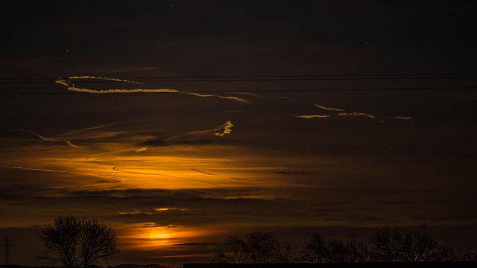 Chiêm ngưỡng bộ ảnh đẹp không tưởng về siêu trăng trên thế giới - Hình 14