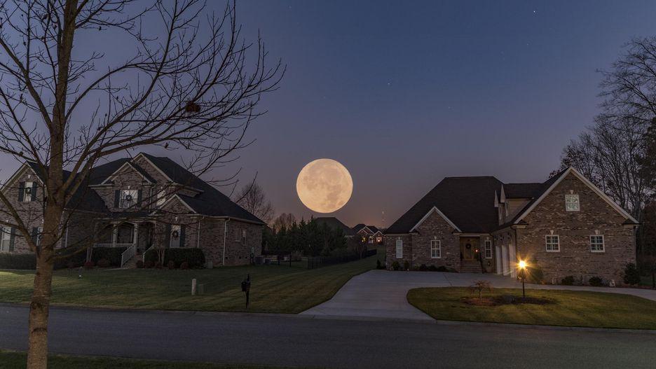 Chiêm ngưỡng bộ ảnh đẹp không tưởng về siêu trăng trên thế giới - Hình 7