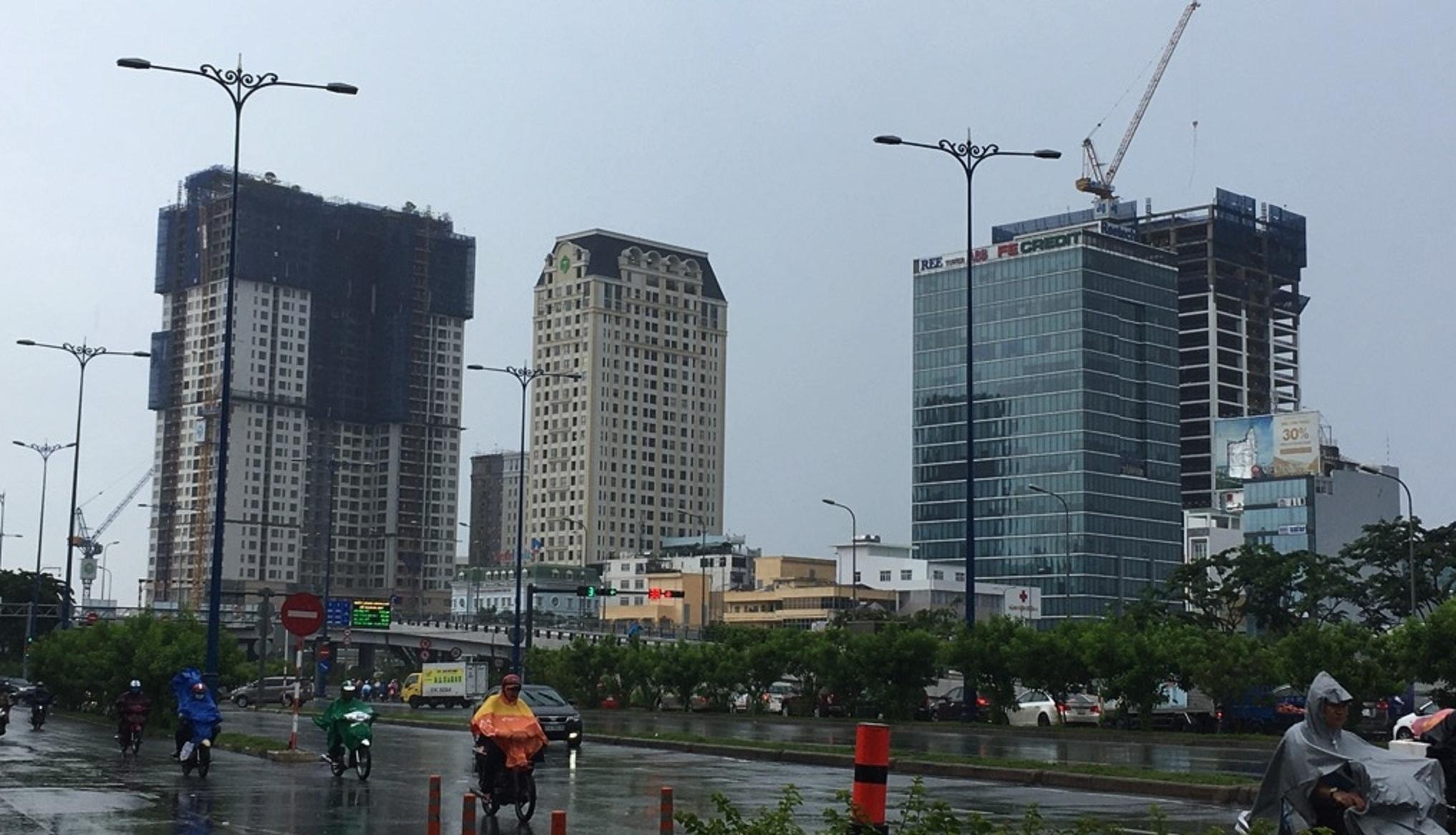 Kinh doanh - Mục sở thị hàng loạt cao ốc 'bóp nghẹt' nội đô Sài thành (Hình 2).