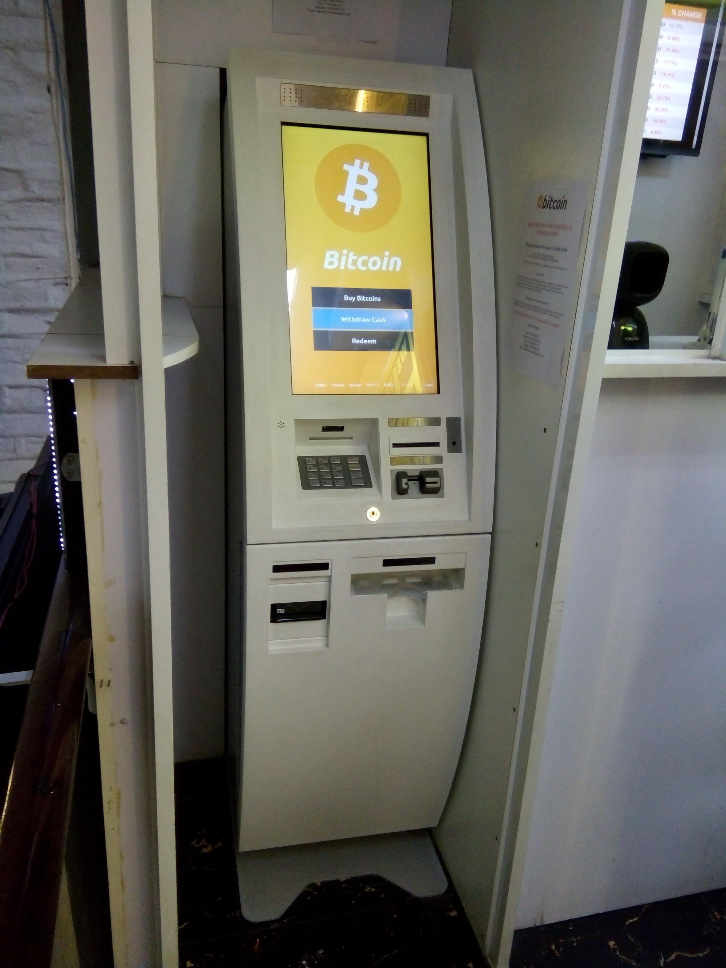 Đầu tư - TP.HCM: Máy giao dịch tiền ảo ngang nhiên hoạt động bất chấp lệnh cấm