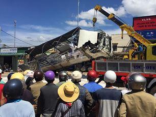 Chính trị - Tai nạn thảm khốc 5 người tử vong: Phó Thủ tướng chỉ đạo khắc phục hậu quả