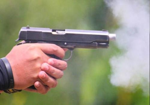 An ninh - Hình sự - Thanh Hóa: Tạm giữ đối tượng rút súng bắn đối thủ nguy kịch