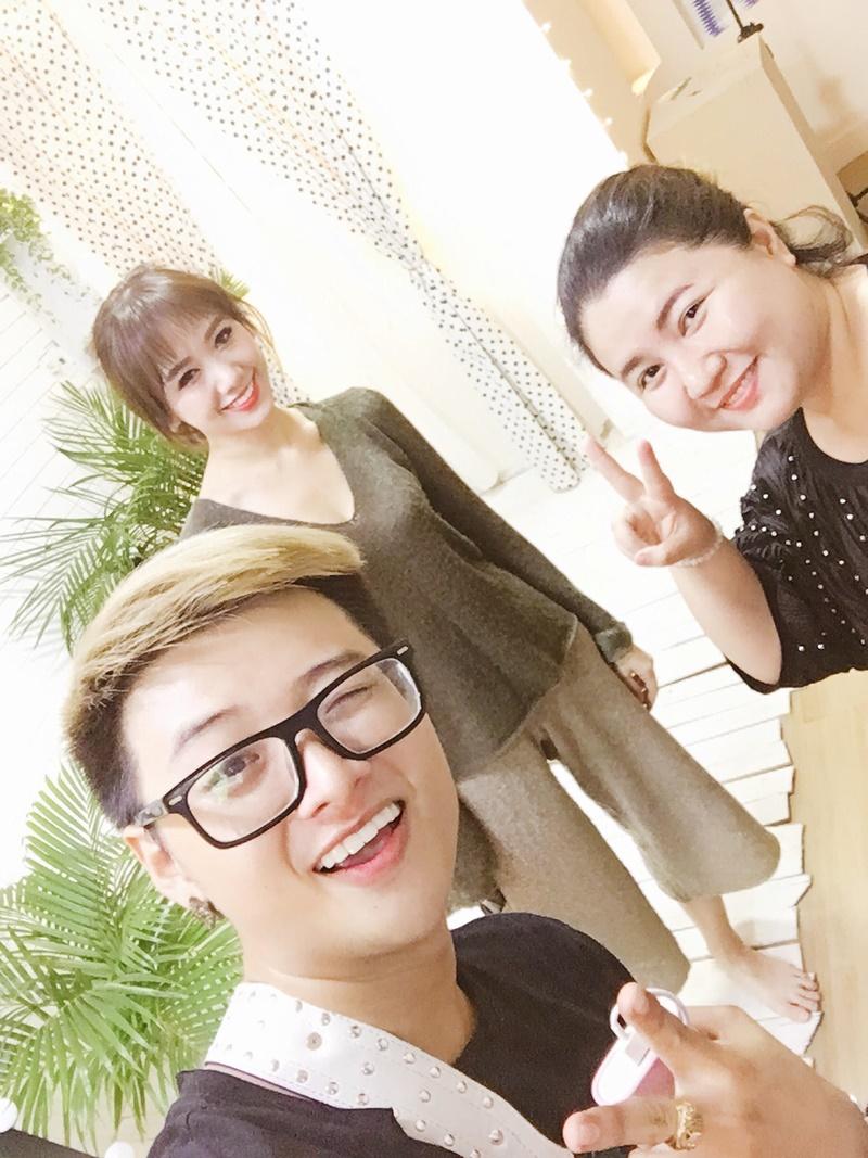 Giải trí - Bí mật thú vị về stylist của cặp đôi Trấn Thành – Hari Won (Hình 3).