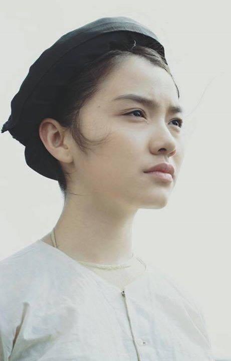 """Ngôi sao - Hồng Kim Hạnh: Thanh xuân """"ngược dòng"""" khép mình, 30 tuổi mới """"bung lụa'"""
