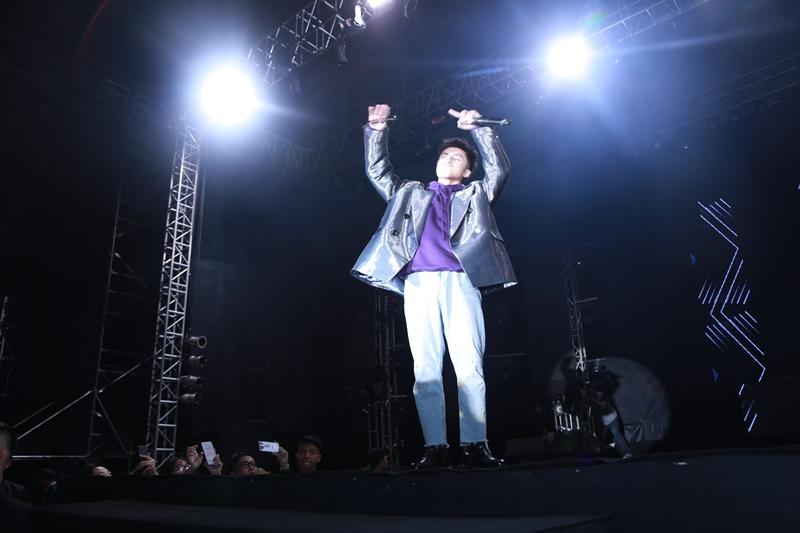 """Sơn Tùng MTP """"khuấy đảo"""" Lễ hội âm nhạc Bridge Fest 2018 - Hình 3"""