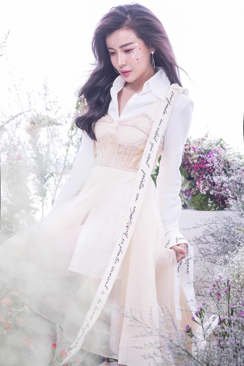 """Ngôi sao - Cao Thái Hà dốc sức thoát """"mác"""" người đẹp an toàn (Hình 3)."""