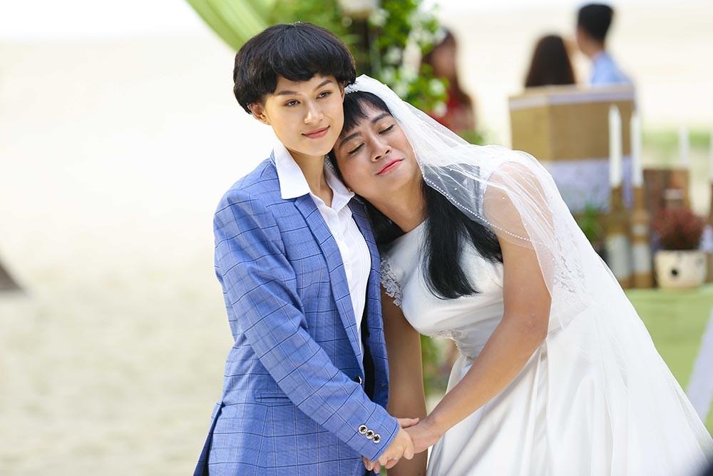 """Ngôi sao - """"Cô dâu"""" Hoài Lâm 'hứng' trọn 100 cái tát trời giáng của Ngọc Thanh Tâm (Hình 2)."""