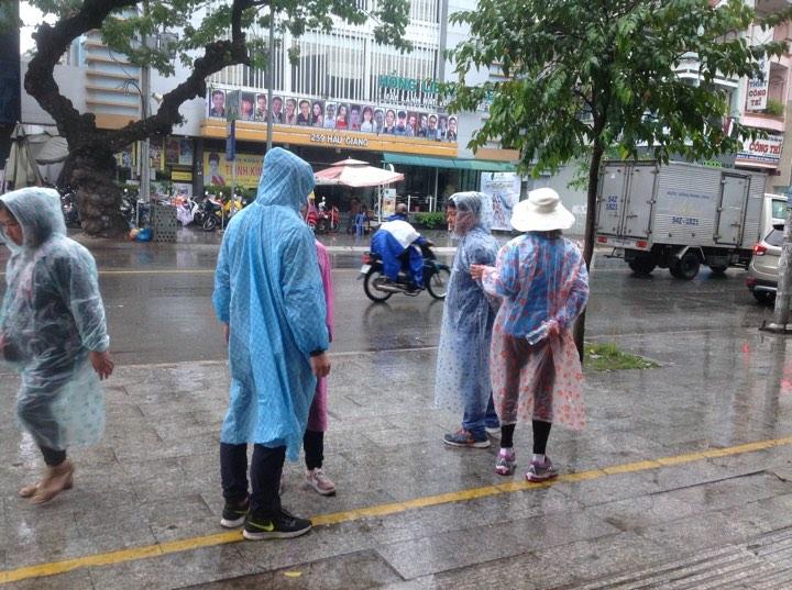 Tin nhanh - Bão số 16 khiến TP.HCM mưa dai dẳng hơn 5 giờ đồng hồ (Hình 4).