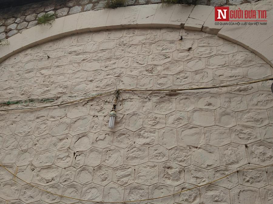 Văn hoá - Hà Nội: Hé lộ những bức bích họa đầu tiên trên phố Phùng Hưng (Hình 8).