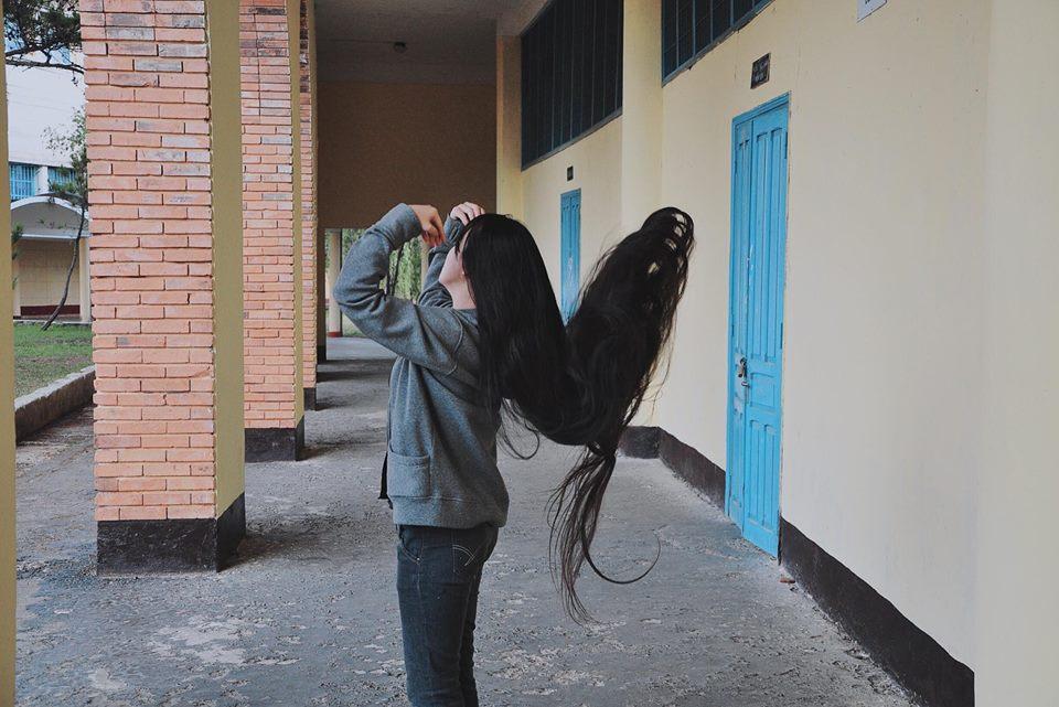 Chiêm ngưỡng mái tóc dài 2 mét của thiếu nữ 9X - Hình 5