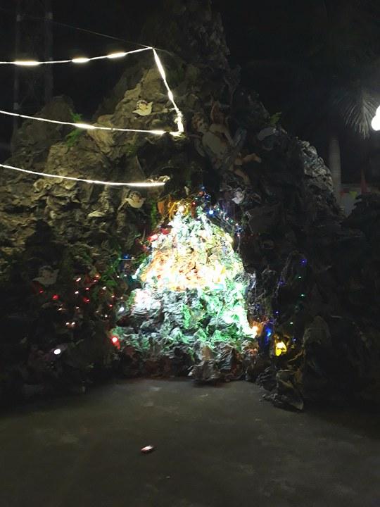 Dân sinh - Giáng sinh lắng đọng tại nhà thờ 130 năm tuổi bị cháy ở Nam Định (Hình 5).