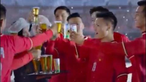 Thể thao - Cầu thủ U23 Quang Hải nói gì về clip quảng cáo bia gây tranh cãi?