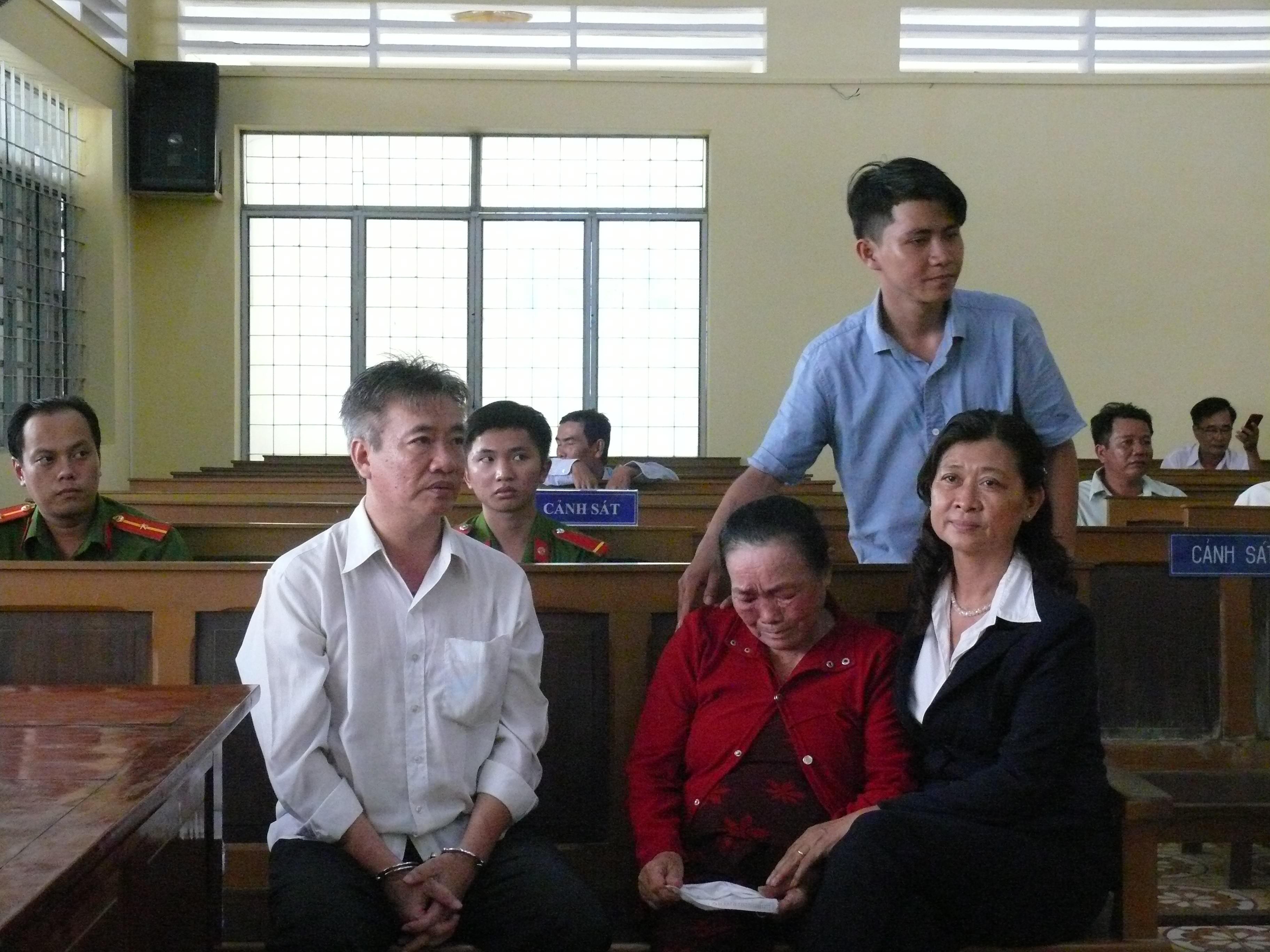 Hồ sơ điều tra - Tuyên án Trưởng phòng Thanh tra phòng chống tham nhũng Cà Mau