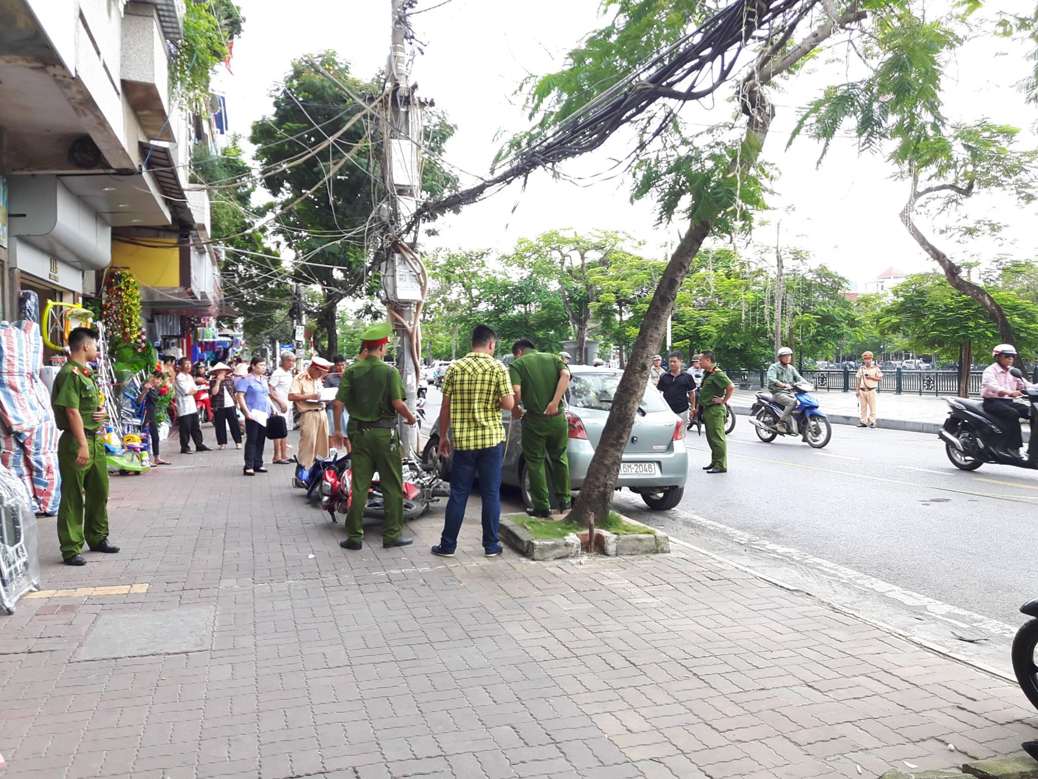 Chính trị - Xã hội - Hải Phòng: Ô tô đâm liên hoàn xe máy, 2 người bị thương (Hình 2).