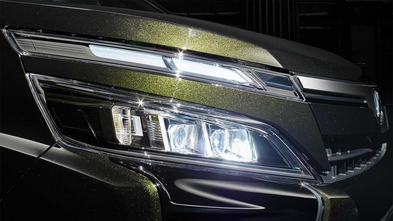 Xe++ - Toyota đưa mẫu MPV Voxy tới Indonesia, hòng 'tiếm ngôi' Nissan Serena (Hình 6).