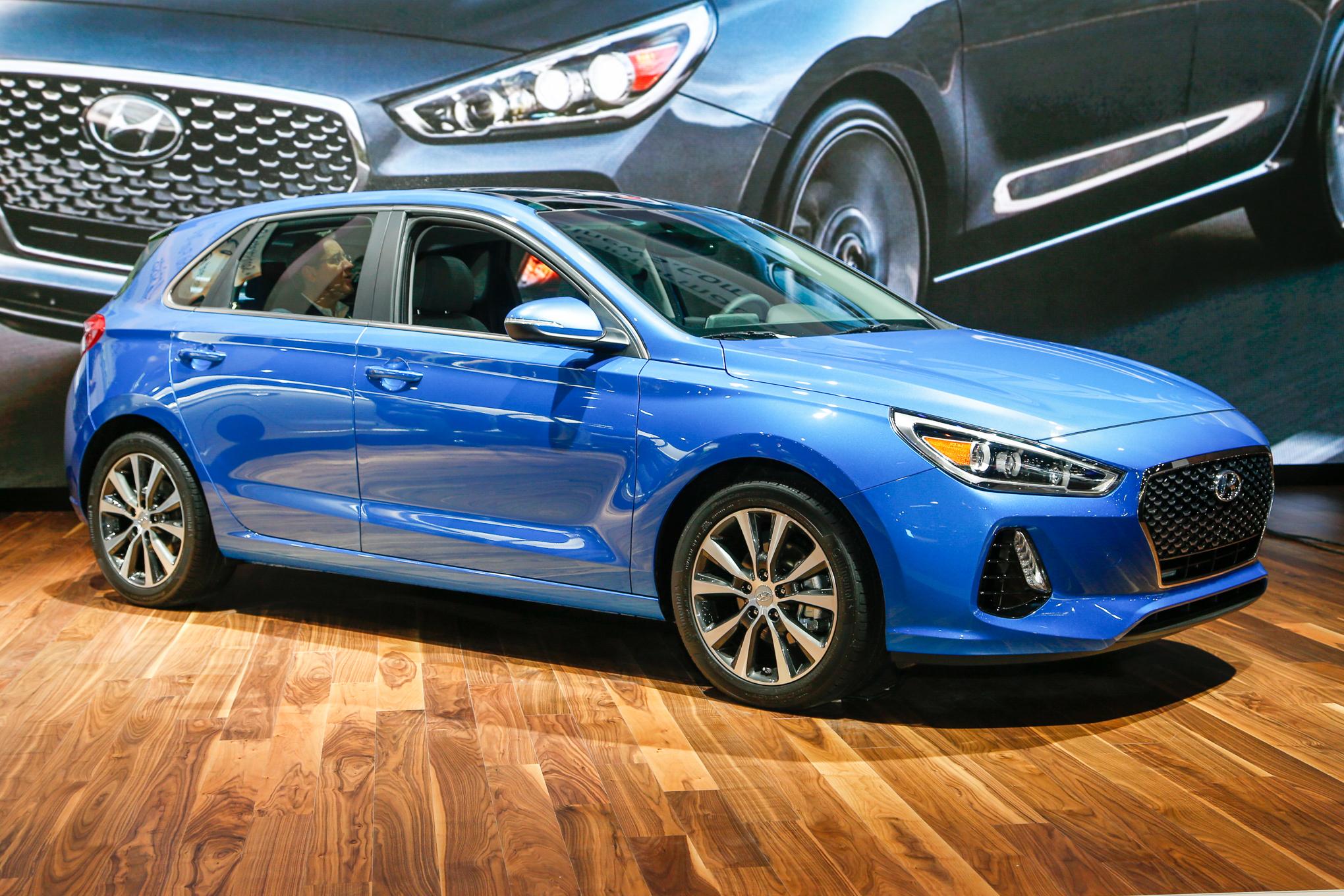 Xe++ - Hyundai Elantra GT 2018 chốt giá bán từ 465,4 triệu đồng
