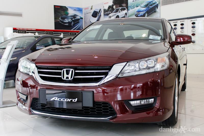 """Xe++ - Đang dính án triệu hồi, Honda Accord giảm giá """"sốc"""" (Hình 2)."""