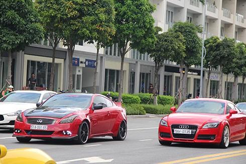 Xe++ - Dàn siêu xe hội tụ, 'đốt lốp' trên đường phố Sài Gòn (Hình 4).