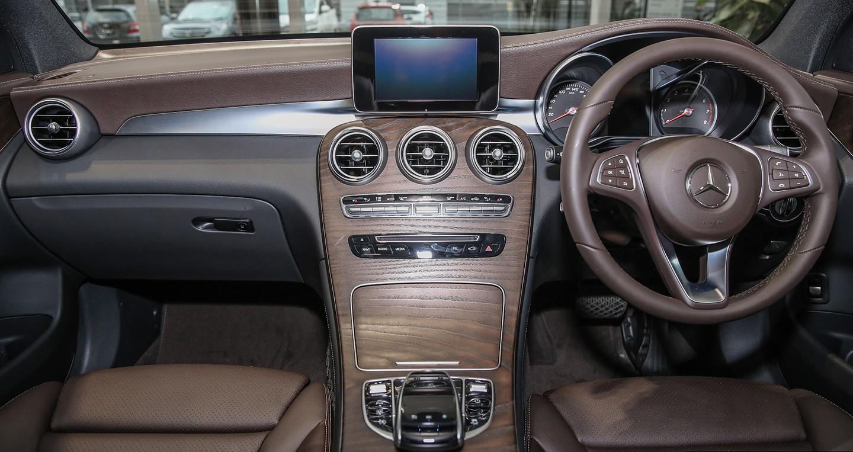 Xe++ - Mercedes-Benz GLC 200 lắp ráp tại Malaysia chốt giá 1,53 tỷ đồng (Hình 4).