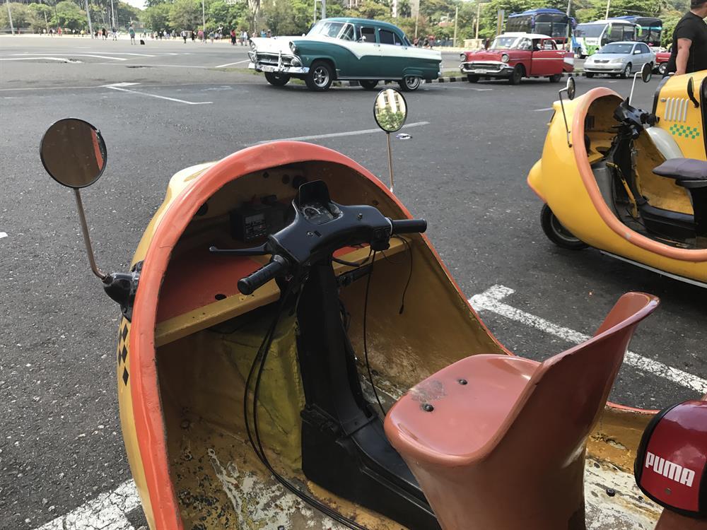"""Xe++ - """"Taxi quả dừa"""" hàng độc chỉ có ở Cuba (Hình 7)."""
