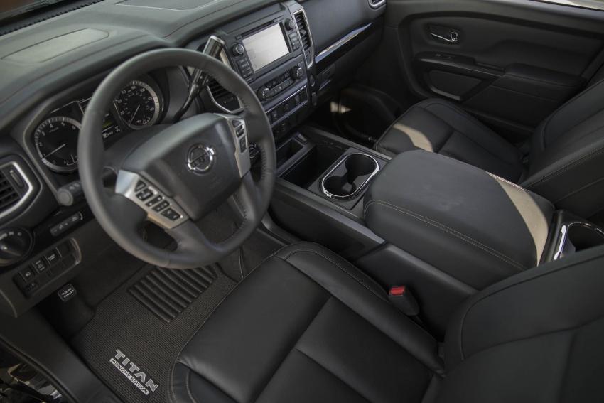 Xe++ - Đón Nhật thực, Nissan tung bộ đôi đặc biệt Midnight Edition  (Hình 3).