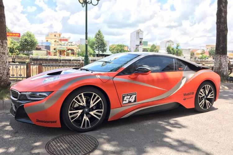 Xe++ - Siêu xe BMW i8 tiền tỷ, biển khủng 'đổi màu' tại Sóc Trăng (Hình 5).
