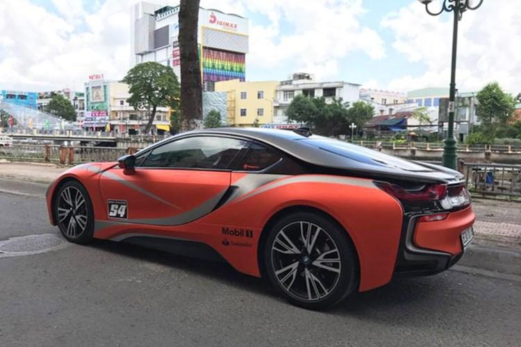 Xe++ - Siêu xe BMW i8 tiền tỷ, biển khủng 'đổi màu' tại Sóc Trăng (Hình 7).
