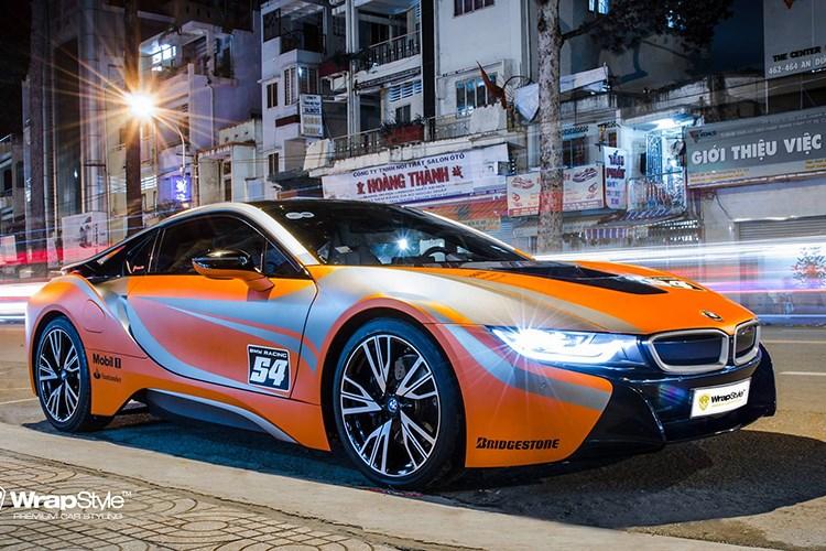 Xe++ - Siêu xe BMW i8 tiền tỷ, biển khủng 'đổi màu' tại Sóc Trăng