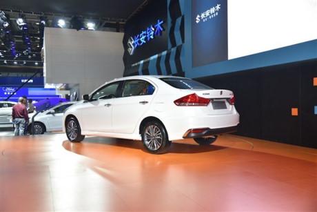 Xe++ - Suzuki Ciaz - mẫu xe ế nhất Việt Nam ra phiên bản mới (Hình 4).