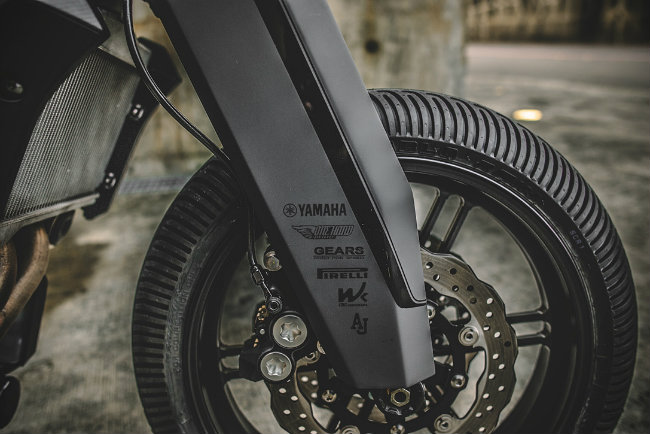 Xe++ - Yamaha MT-07 hóa vũ khí linh hồn bóng đêm đáng sợ (Hình 8).