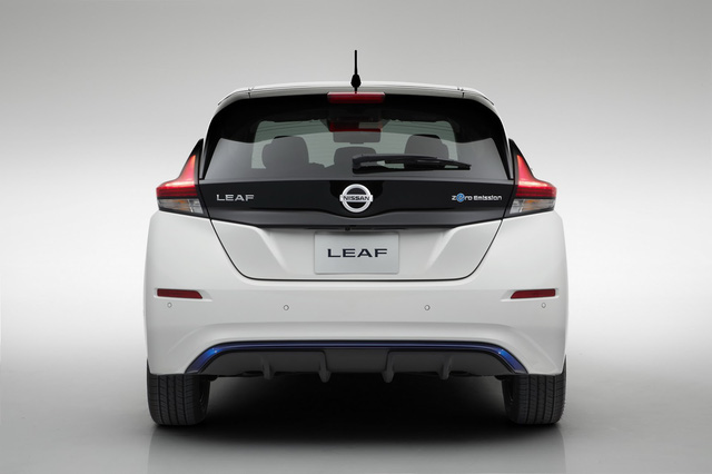 Xe++ - Xe điện Nissan Leaf 2018 đối thủ Tesla Model 3 được trang bị những gì? (Hình 14).