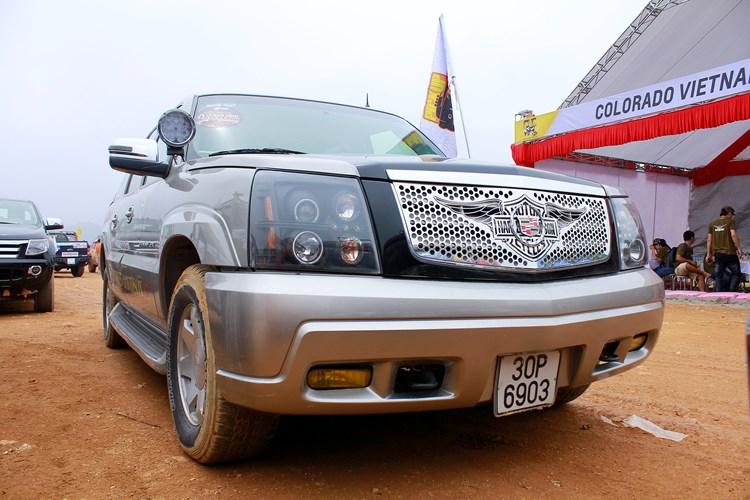 Xe++ - 'Chạm mặt' bán tải Cadillac tiền tỷ độc nhất Việt Nam (Hình 3).
